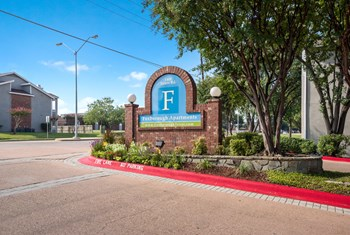 1400 Esters Rd 1-2 Beds Apartment for Rent Photo Gallery 1