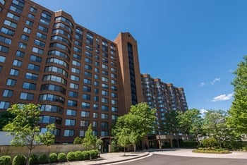 3001 Park Center Drive 1-4 Beds Apartment for Rent Photo Gallery 1