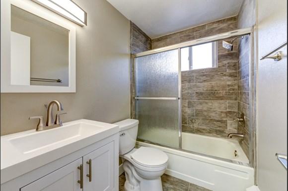 1137 Columbine Bathroom