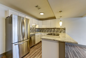 1606 Cottonwood Dr Unit 2 2 Beds Apartment for Rent Photo Gallery 1