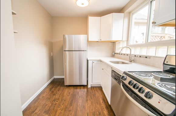 1725 15th Street Unit 1 Kitchen
