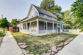 1946 Grove Street 4 Beds House for Rent Photo Gallery 1