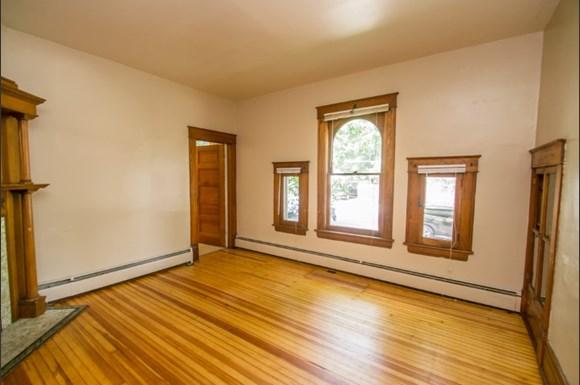 604 Marine Street Living Room