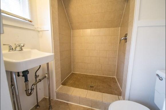 604 Marine Street Bathroom