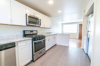 7025-7035 W 36Th Ave 1 Bed Apartment for Rent Photo Gallery 1