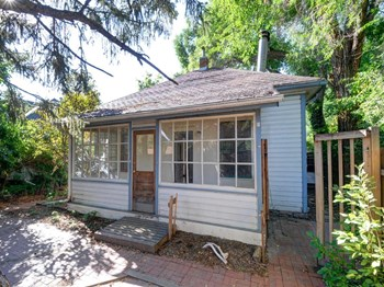 2510A Pine Street 3 Beds House for Rent Photo Gallery 1
