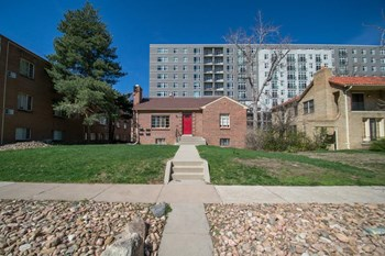 2135-2137 S Josephine St 3 Beds Apartment for Rent Photo Gallery 1