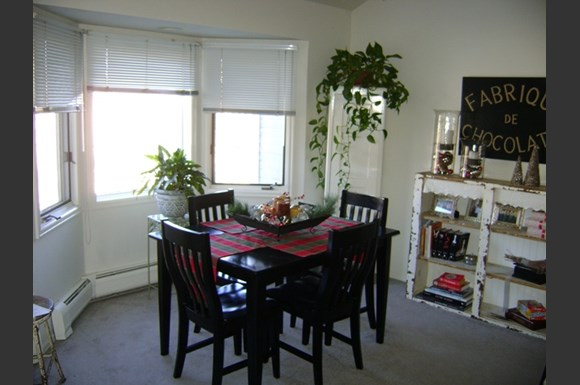 Dining Room 2250 Spruce C
