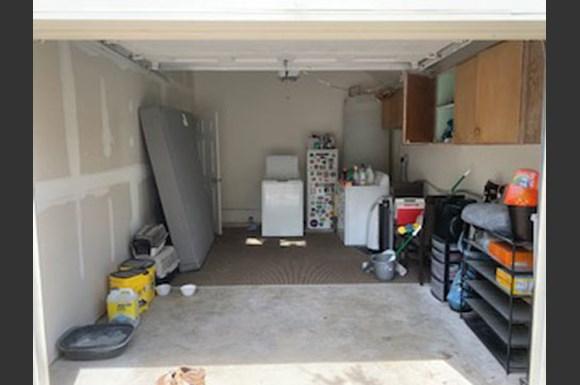 2212 Pine Street Garage