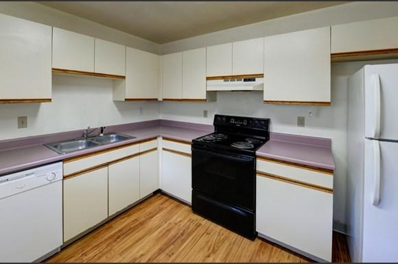 1631 19th Street (#1-7) Kitchen