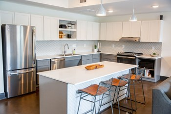 1710 Belcourt Ave Studio-2 Beds Apartment for Rent Photo Gallery 1