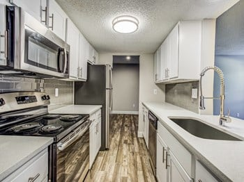 5100 River Valley Blvd 1-3 Beds Apartment for Rent Photo Gallery 1