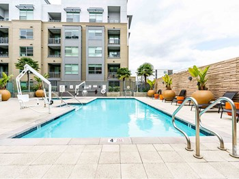 299 Franklin Street 2 Beds Apartment for Rent Photo Gallery 1