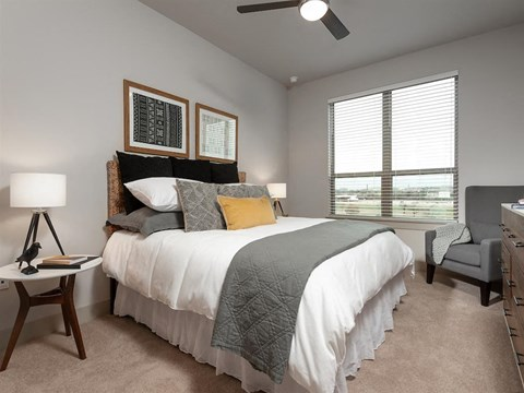Well Lite Bedroom at Kelley at Samuels Ave, Ft Worth, TX