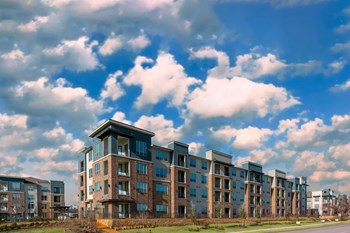 880 West Euless Blvd 1-3 Beds Apartment for Rent Photo Gallery 1