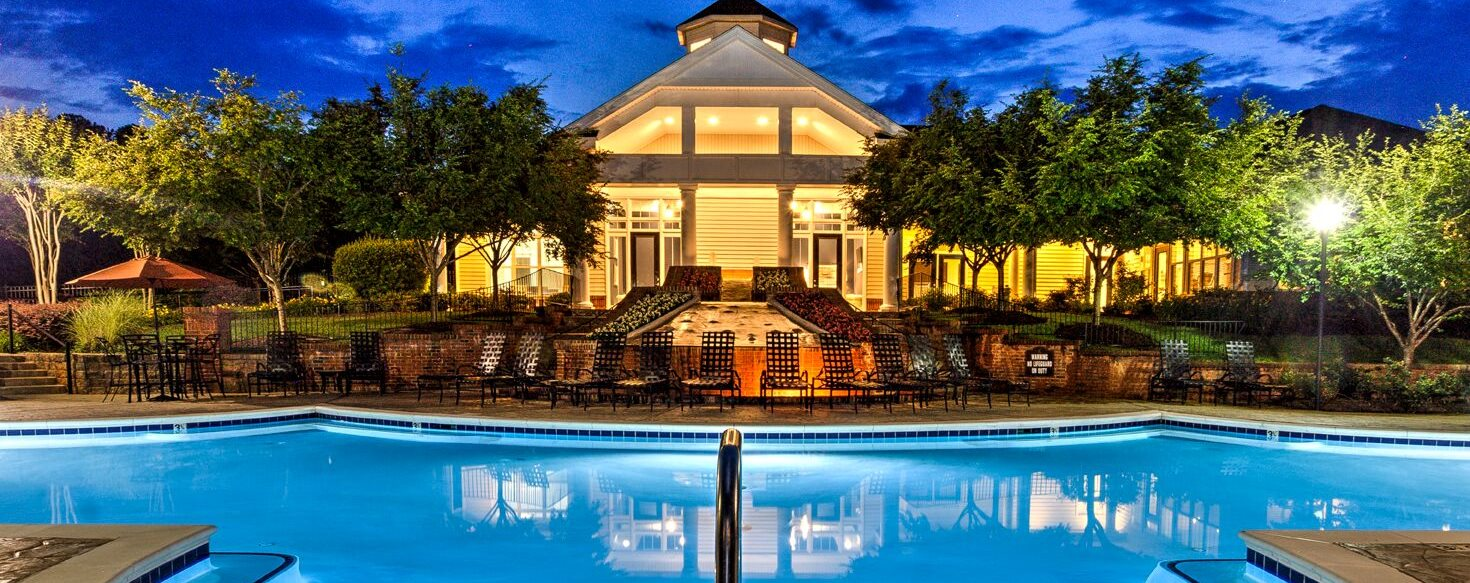Outdoor Swimming Pool at Abberly Green Apartment Homes by HHHunt, Mooresville