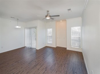 12222 Vance Jackson Rd 1-3 Beds Apartment for Rent Photo Gallery 1