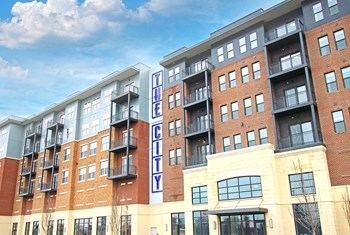 2875 Olentangy River Rd Studio-2 Beds Apartment for Rent Photo Gallery 1