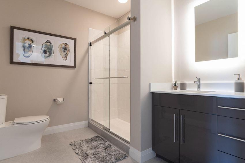 Stratus on Hudson Bathrooms