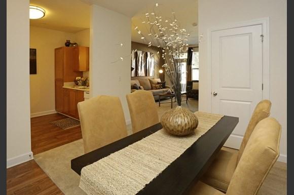 Capitol Gateway Apartments 89 Woodward Ave Se Atlanta Ga Rentcafé