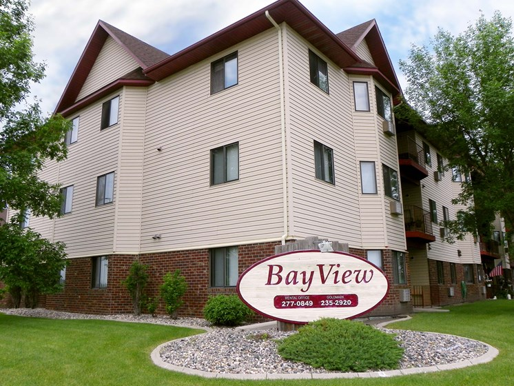 Bayview Apartments | Fargo, ND