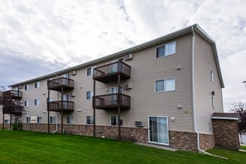 1325 33Rd Ave S #101 Studio-3 Beds Apartment for Rent Photo Gallery 1