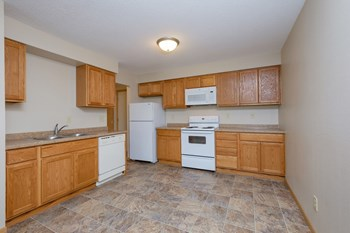 2615 S University Dr 3 Beds Apartment for Rent Photo Gallery 1