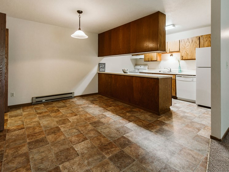 Carling Manor Apartments | 3 Bedroom | Kitchen & Dining