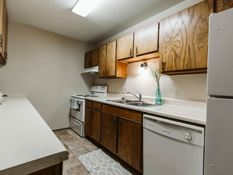 Carling Manor Apartments | 3 Bedroom | Kitchen