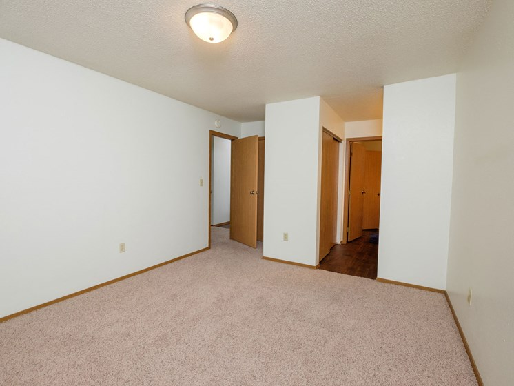 Cedars 2 Apartments | Bedroom