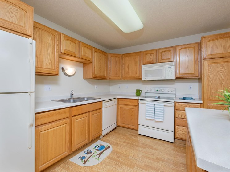 Charleswood Townhomes | Kitchen