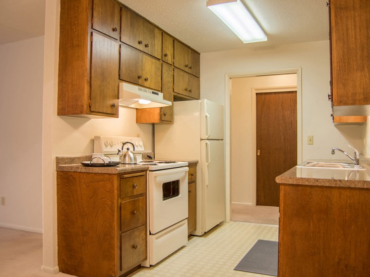 Country Club Apartments | 2 Bedroom | Kitchen