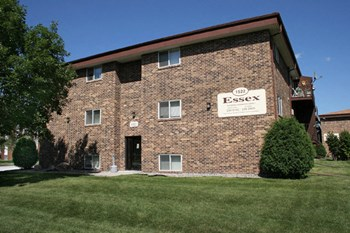 1522 East Gateway Circle 1-2 Beds Apartment for Rent Photo Gallery 1