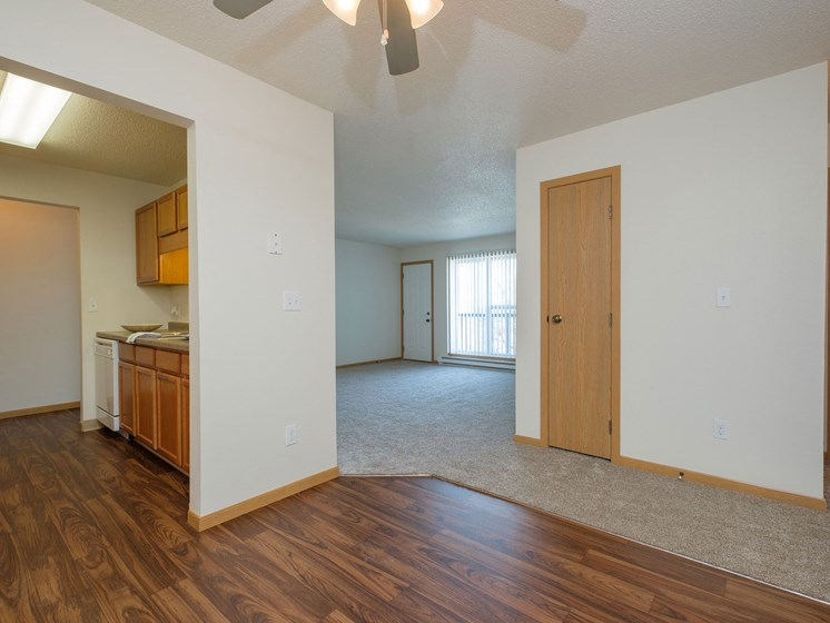 Essex Apartments | 2 Bedroom - 306 | Dining Room