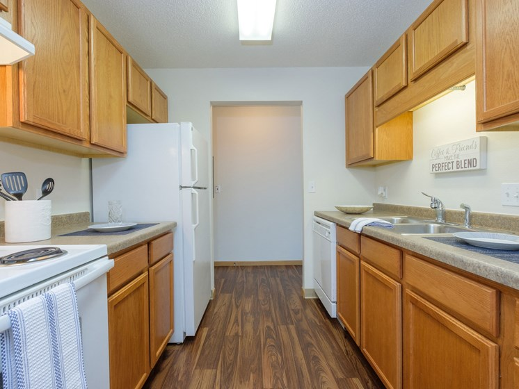 Essex Apartments | 2 Bedroom - 306 | Kitchen