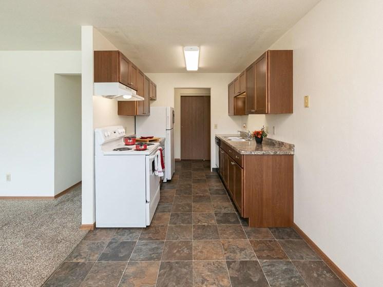 Islander Apartments   Kitchen