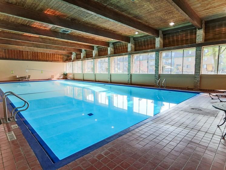 Glen Pond Apartments | Pool