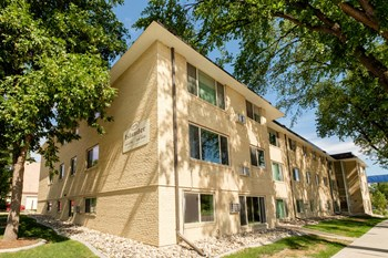 415 7Th St S 1-2 Beds Apartment for Rent Photo Gallery 1