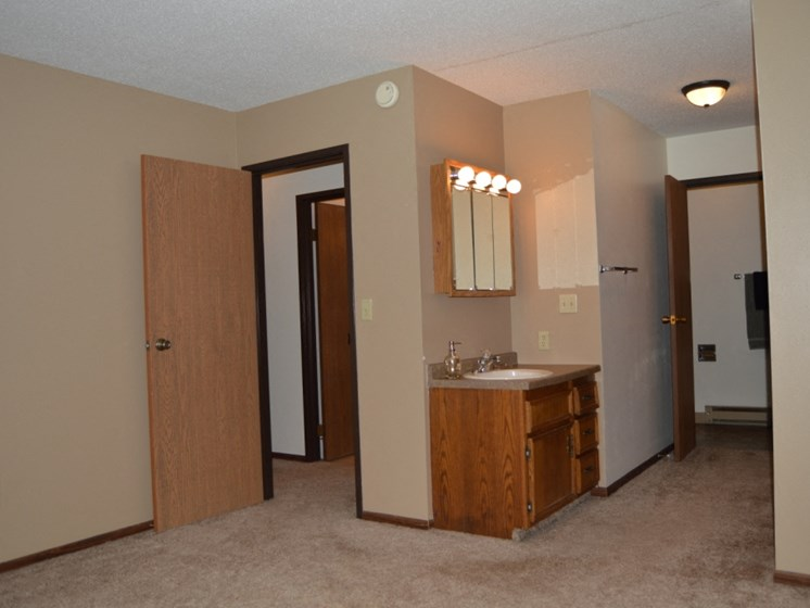 Long Island Apartments | 2 Bedroom | Master Bedroom