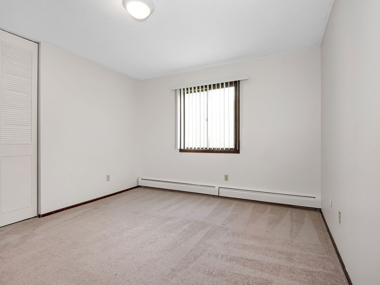 Maplewood Apartments   Bedroom
