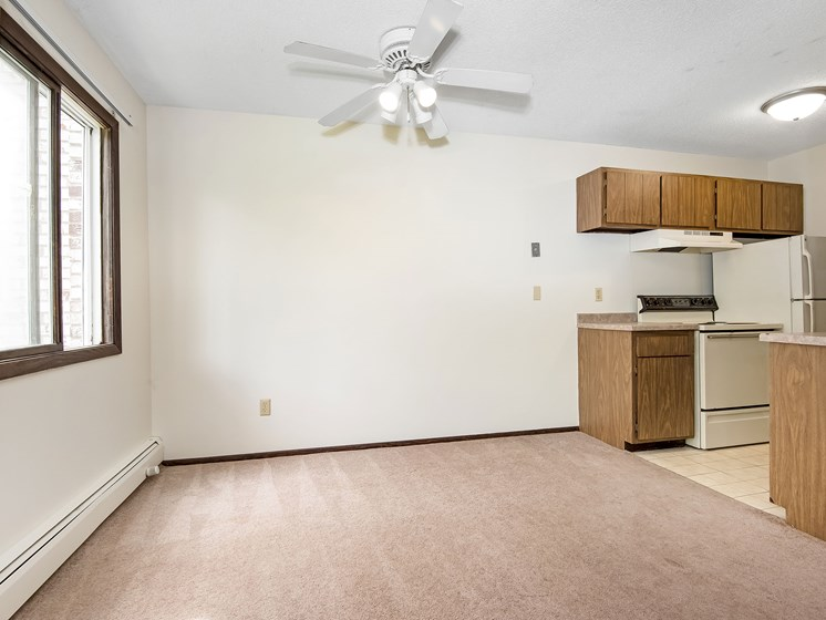 Maplewood Apartments   Dining Room