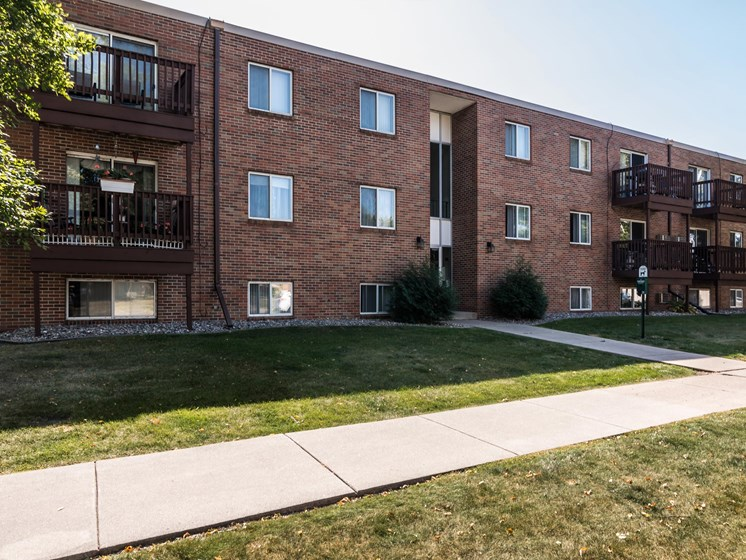 Mayfair Apartments | Grand Forks, ND
