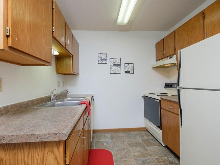 Oak Court Apartments | Kitchen