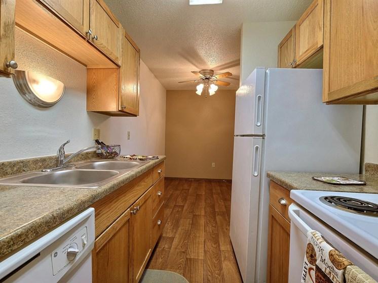 Pacific Park II Apartments | 2 Bedroom | Kitchen