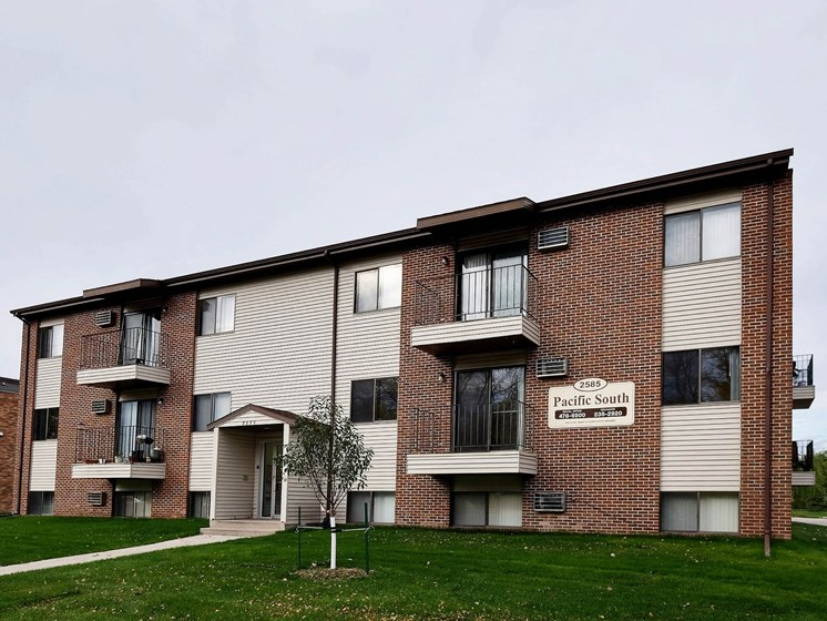 Pacific South Apartments | Fargo, ND