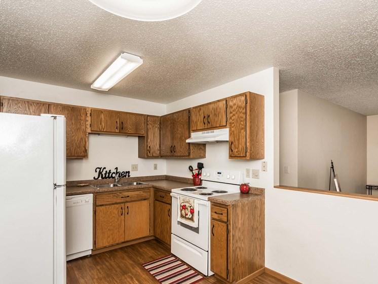 Richfield Apartments | 2 Bedroom 2 Bath | Kitchen
