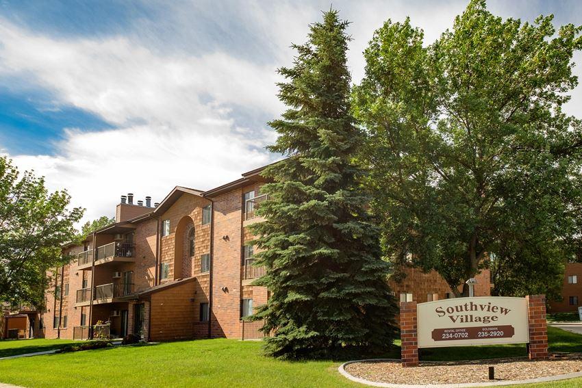 Southview Village Apartments   Fargo, ND