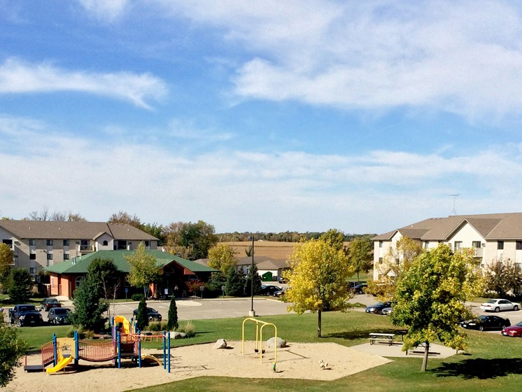 Deer Park Apartments | Hutchinson, MN