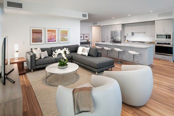7140-7160 East Kierland Boulevard Studio-3 Beds Apartment for Rent Photo Gallery 1