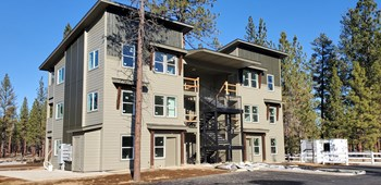 750  N Brooks Camp Rd 1-2 Beds Apartment for Rent Photo Gallery 1